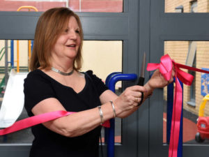 vivien-cutting-ribbon